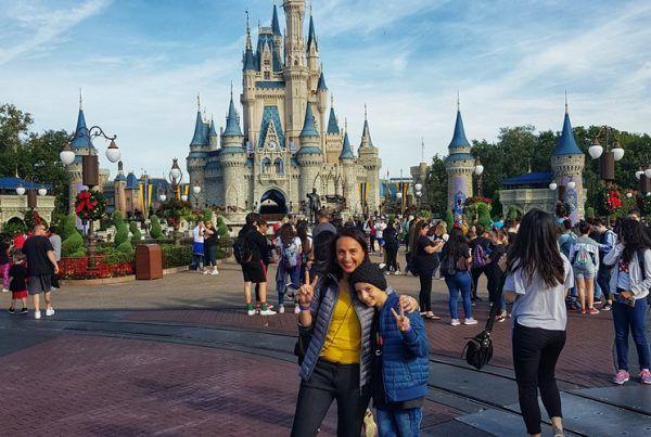 Patricia Suarez en Disneyworld 00